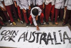 INDONESIA AUSTRALIA WORSENED RELATION. School children are attending Coins For Australia rally, to repay Australian humanitarian aid on Aceh Tsunami Disaster in Stock Images