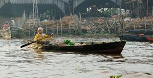 Indonesia - mercado flotante en Banjarmasin imagen de archivo libre de regalías