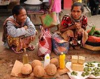 Indonesia - mercado tribal tradicional Imágenes de archivo libres de regalías