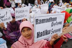 INDONESIAN MUSLIM BODIES FOR DEATH PENALTY TO DRUG DEALERS Stock Photos