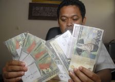 INDONESIAN NEW GOVERNMENT ECONOMY PROBLEM Stock Image