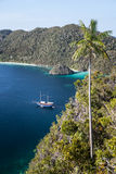 Indonesian Schooner in Tropical Pacific Lagoon Royalty Free Stock Photos