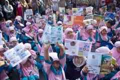 INDONESIEN BEHÖVER MER KVALIFICERAD LÄRARE fotografering för bildbyråer