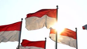 Indonesien sjunker flyg på flaggstången