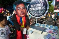 INDONESIEN SOM UTFORSKAR BÄSTA TJÄNSTEMÄN INOM RÄTTSSKIPNINGEN PÅ KORRUPTION Arkivbilder