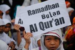 INDONESISCHE MOSLIMorganismen VOOR DOODSTRAF AAN DRUGDEALERS Stock Foto