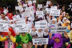 INDONESISCHE MOSLIMorganismen VOOR DOODSTRAF AAN DRUGDEALERS Royalty-vrije Stock Foto
