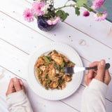 Indonesische Plantaardige salade of pecel met een laag bedekt met zoete & smakelijke pindakaas sauc Royalty-vrije Stock Foto