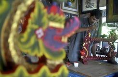 INDONESISCHE RUPIE SECHS JAHRE NIEDRIGE TROPFEN- Stockfotos