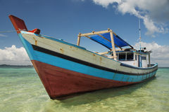 Indonesische vissersboot royalty-vrije stock afbeeldingen