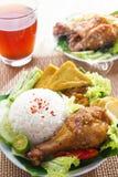Indonesische voedselnasi ayam penyet Royalty-vrije Stock Afbeelding