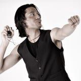Indonesischer Mann mit MP3-Player lizenzfreie stockfotos