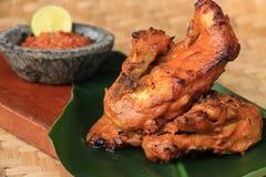 Indonesisches würziges gegrilltes Huhn Stockfotos