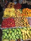Indonesisk fruktaffär, centrala Bali, Indonesien Arkivfoton