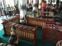 Indonesisk musikalisk slagverkMarimba som instrument Arkivfoton