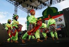 Indonesisk traditionell barndans Arkivfoto
