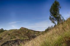 Indonesiska berg, Bali ö, den aktiva vulkan av Batur Arkivfoto