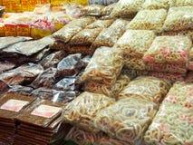 Indonezyjczyk przekąski W rynku obraz stock