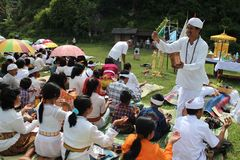Indonezyjczyka Hindus Melasti rytuał Zdjęcie Royalty Free