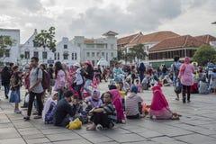 Indonezyjscy ludzie one cieszą się przy Fatahillah kwadratem w Dżakarta obrazy royalty free