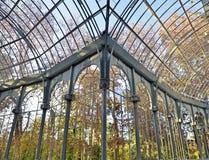 indoor Palacio de Cristal在Parque del Retiro, Ma 免版税库存照片
