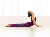 Indor avanzato di posa di yoga Immagine Stock Libera da Diritti