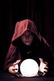 Indovino spettrale con Crystal Ball Fotografia Stock