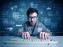 Indringer die e-mailwachtwoordenconcept binnendringen in een beveiligd computersysteem royalty-vrije stock afbeeldingen