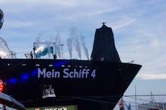 Indrukken van het doopsel van een schip Stock Afbeelding