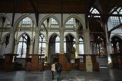 Indrukken van Oude Kerk Oude Kerk in Amsterdam, Nederland Stock Afbeelding