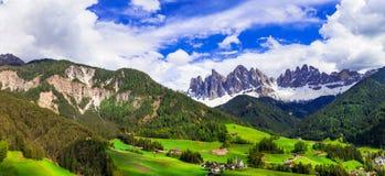 Indrukwekkend Alpien landschap - val Di Funes in Dolomietbergen, royalty-vrije stock foto's