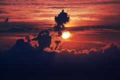 Indrukwekkende bewolkte dageraad Stock Afbeelding