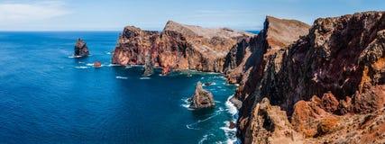 Indrukwekkende panoramaoostkust van Madera Stock Afbeeldingen