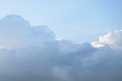 Indrukwekkende wolken Stock Afbeeldingen
