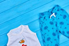 Indumento di modo di estate del neonato fotografia stock libera da diritti