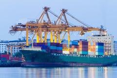 Industriële Containerlading Stock Afbeeldingen