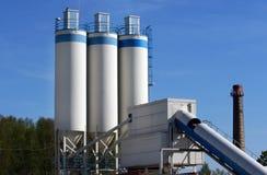 Industriële elektrische centrale in Letland royalty-vrije stock afbeeldingen