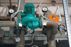 Industriële elektroluchtcompressor stock afbeeldingen