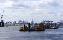 Industriële haven van Hamburg Stock Afbeelding