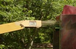 Industriële houten chipper in actie Royalty-vrije Stock Afbeelding