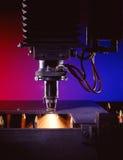 Industriële lasersnijder stock afbeeldingen
