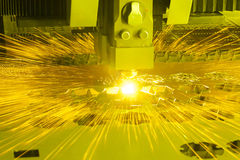 Industriële lasersnijmachine royalty-vrije stock foto