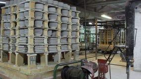 Industriële Lijn voor Vervaardiging van Platen Afdelings Roosterende Schotels stock footage
