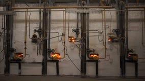 Industriële Lijn voor Vervaardiging van Platen Afdelings Roosterende Schotels stock video