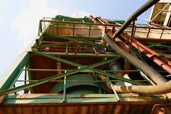 Industriële metalltoren Het complex van de zandsteengroeve Royalty-vrije Stock Foto