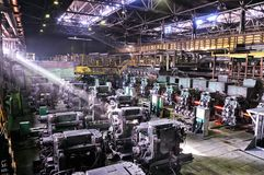 Industriële metallurgische vervaardigings walserij Stock Afbeeldingen