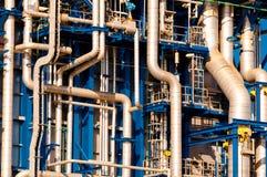 Industriële pijpleidingen stock afbeeldingen