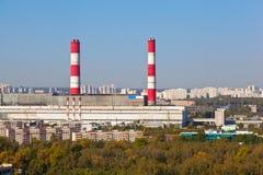 Industriële rood en witte pijpen Stock Fotografie