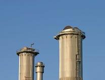 Industriële schoorstenen Stock Foto