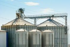 Industriële silo, opslagtanks Royalty-vrije Stock Foto